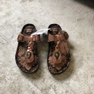 Bronze Muk Luk sandals